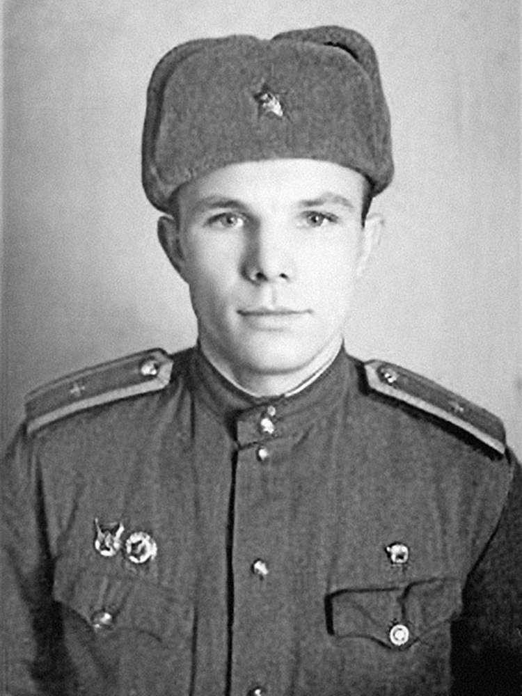 Yuri Gagarin during his years of study at the flight school. Source: оввакул.рф