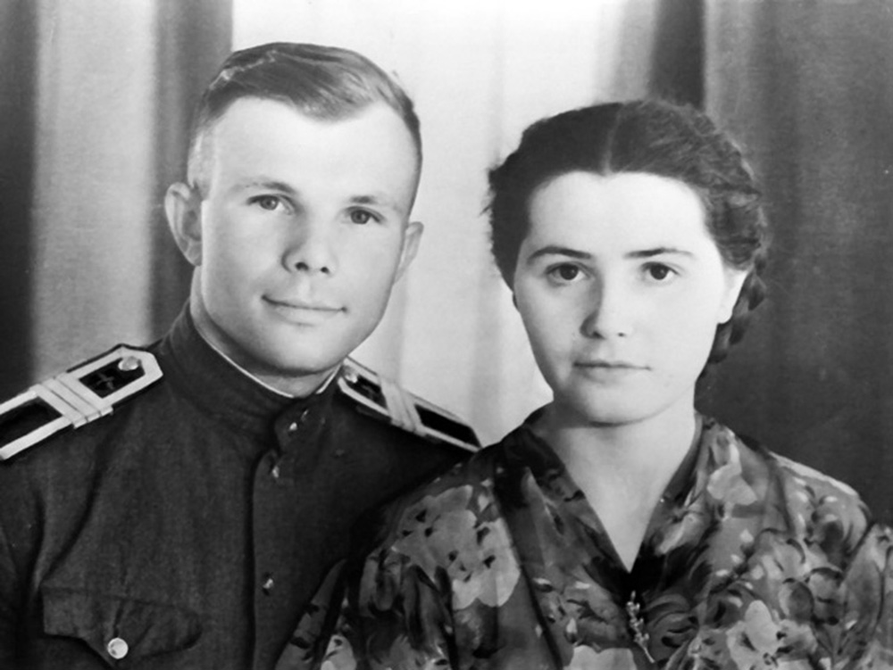 Yuri Gagarin with his wife Valentina. Source: оввакул.рф